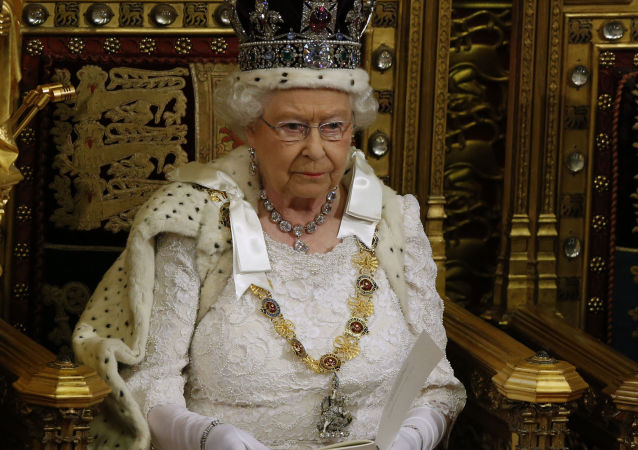 據白金漢宮消息,英國女王伊麗莎白二世的丈夫菲利普被送往醫院