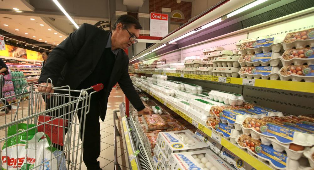 當前超過半數俄羅斯公民支持當局對西方實施食品進口禁令