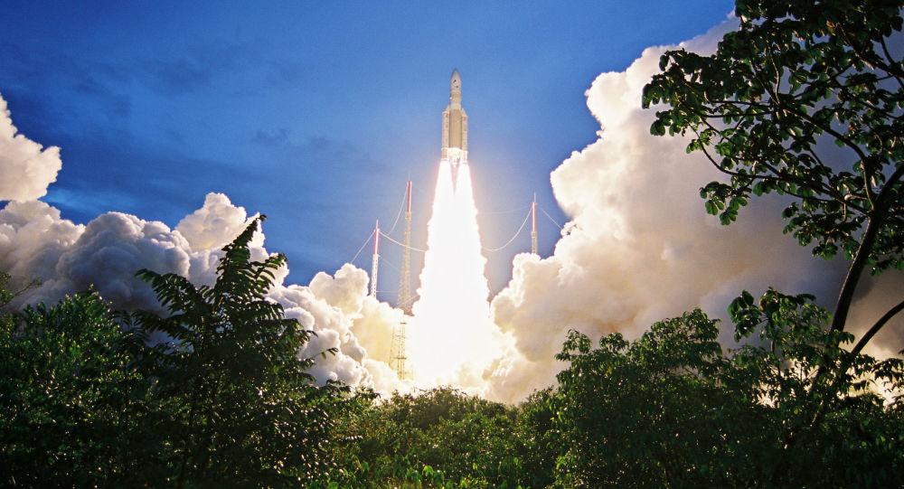 「阿麗亞娜5」號運載火箭從法屬圭亞那庫魯航天發射場成功發射