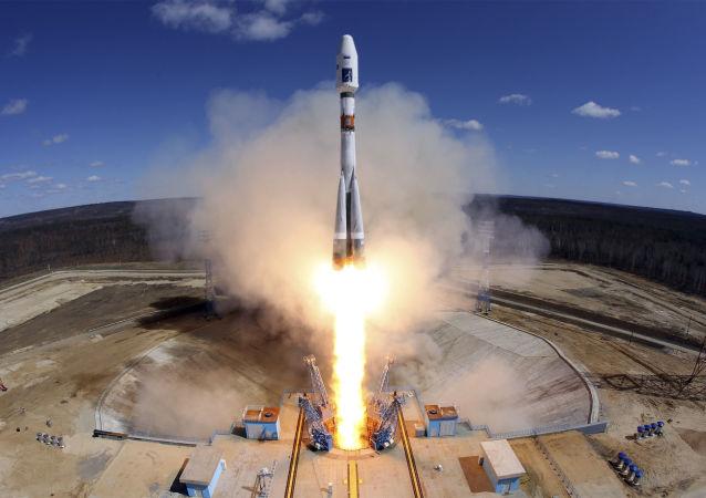 俄大學生為「鸛」小型衛星做出貢獻