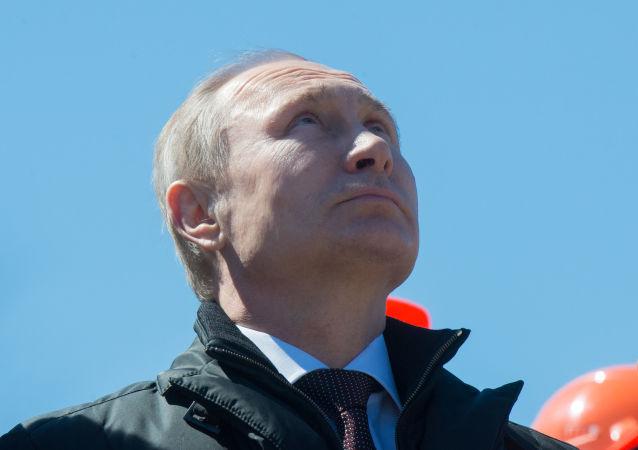 俄總統普京在阿穆爾州東方航天發射場(資料圖片)