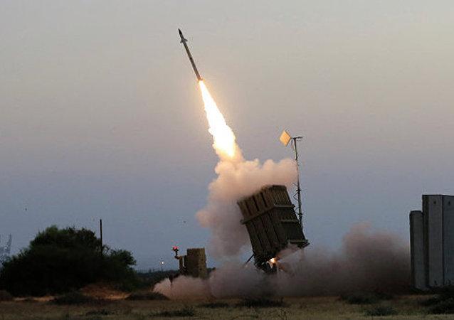 「鐵穹」火箭彈攔截系統