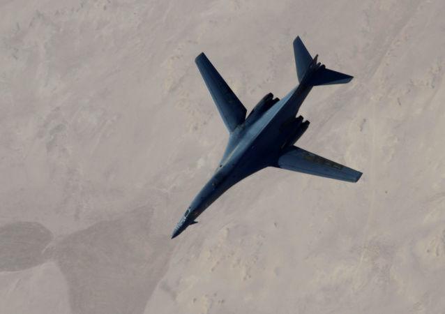 五角大樓:國際聯盟對伊拉克和敘利亞境內IS武裝進行16次空襲