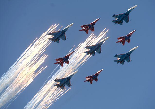 消息人士:墜毀蘇27戰機隸屬於俄羅斯勇士飛行表演隊