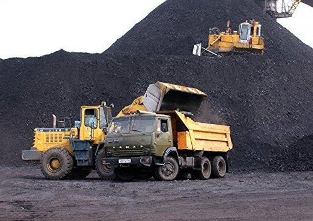 消息人士:庫茲巴斯「扎列奇納亞」煤礦全體礦工火災後被疏散