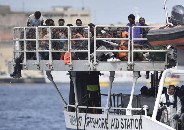 媒體:3000多移民在西西里島被施救