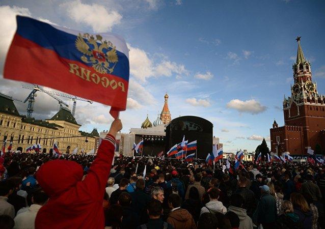 俄內務部:近3萬人參加紅場慶祝「俄羅斯日」音樂會