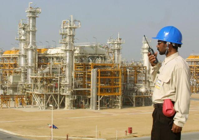 伊朗每天開採石油400萬桶 一半銷往歐洲