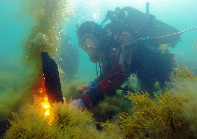 專家稱裝有艾伊瓦佐夫斯基畫作的克里米亞沈船被破壞文物者毀壞