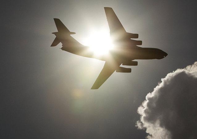 IAC代表、調查人員及偵查學家已飛赴伊爾-76飛機失事地點