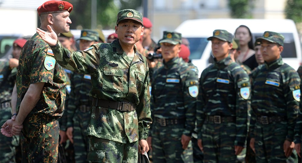 俄中部隊指揮官高度評價「合作-2016」演習