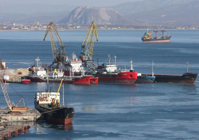 В порту города Находка в Приморском крае