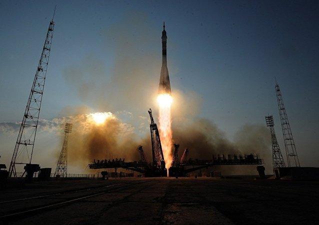 特朗普稱按照俄中兩國範本創建美太空軍