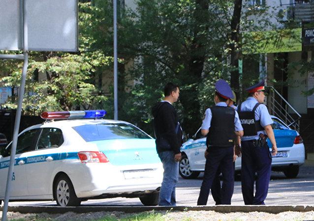 阿拉木圖兩名在7月18日交火中受傷警察逝世