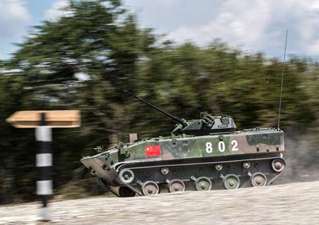 裝甲運兵車