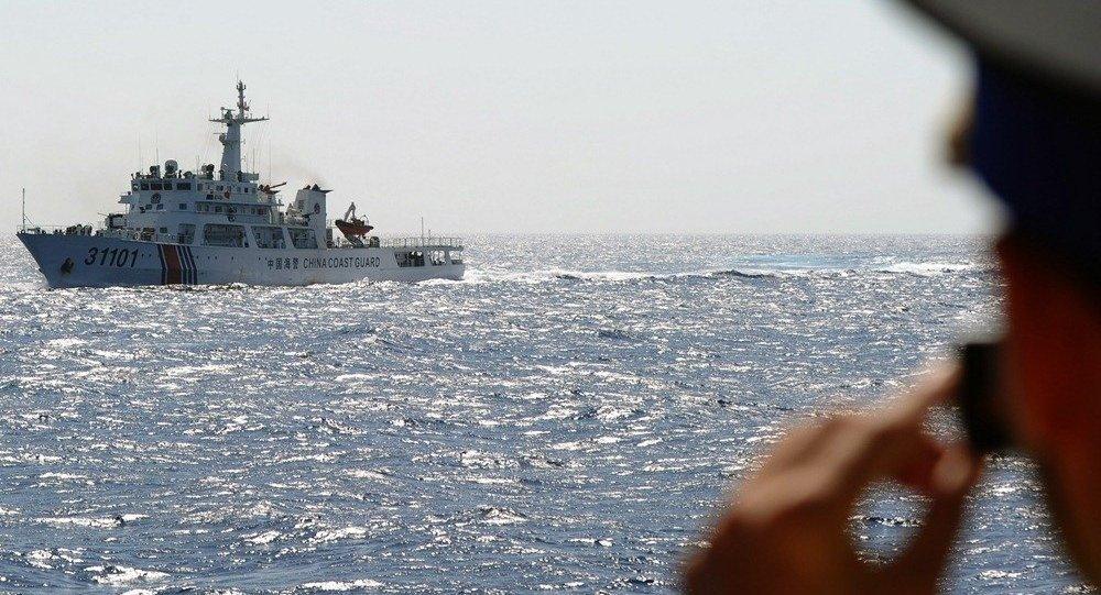 專家:美炒作中國在黃岩島活動意在阻止中國南海島礁建設