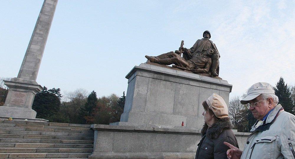 俄外交部譴責波蘭境內破壞蘇軍墓葬行徑