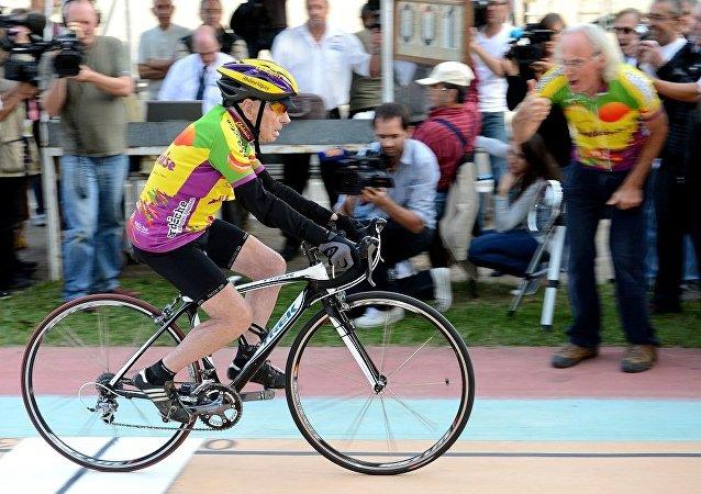 高齡104歲的法國自行車手被評為世界上長壽者中最優秀的運動員