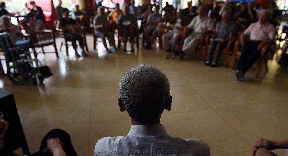 中國國務院政府工作報告:提高退休人員基本養老金