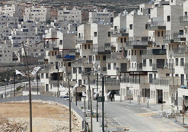 美國國務卿在美國改變對以色列定居點立場的背景下與以色列總理舉行會談