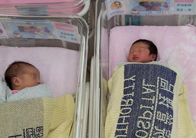 中國國家統計局:2018年中國出生率降至10.94‰ 全面出生人口1523萬人