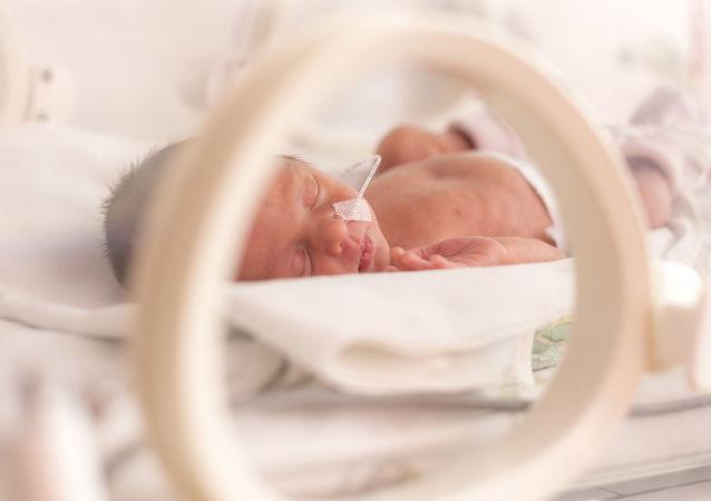 沒被發現懷孕的英國女子在阿姆斯特丹跑了7公里後分娩