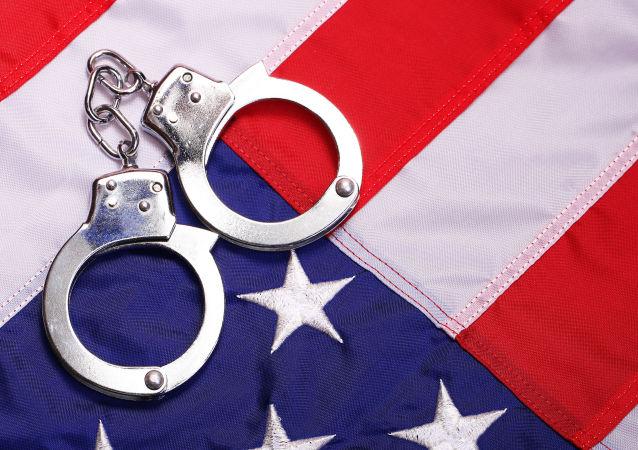 美媒:美國三K黨頭目因駕車衝撞示威者被逮捕