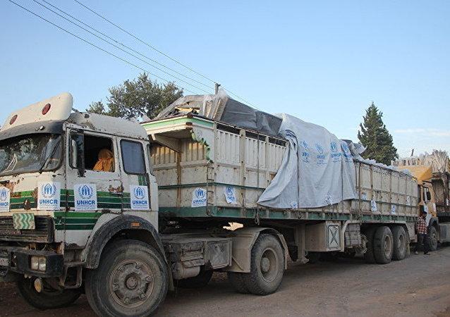 俄軍方為敘利亞民眾送去4600多噸食品
