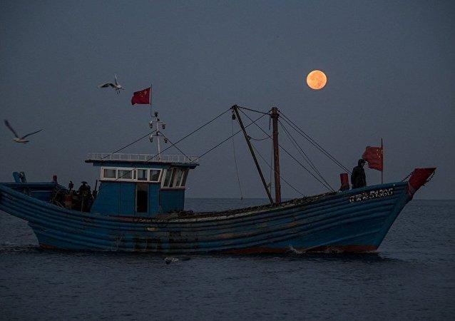 台灣海岸警衛隊扣留了中國大陸船員
