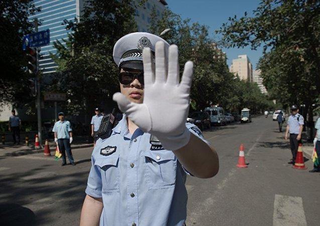 濟南警方解救一名在中學被劫持人質