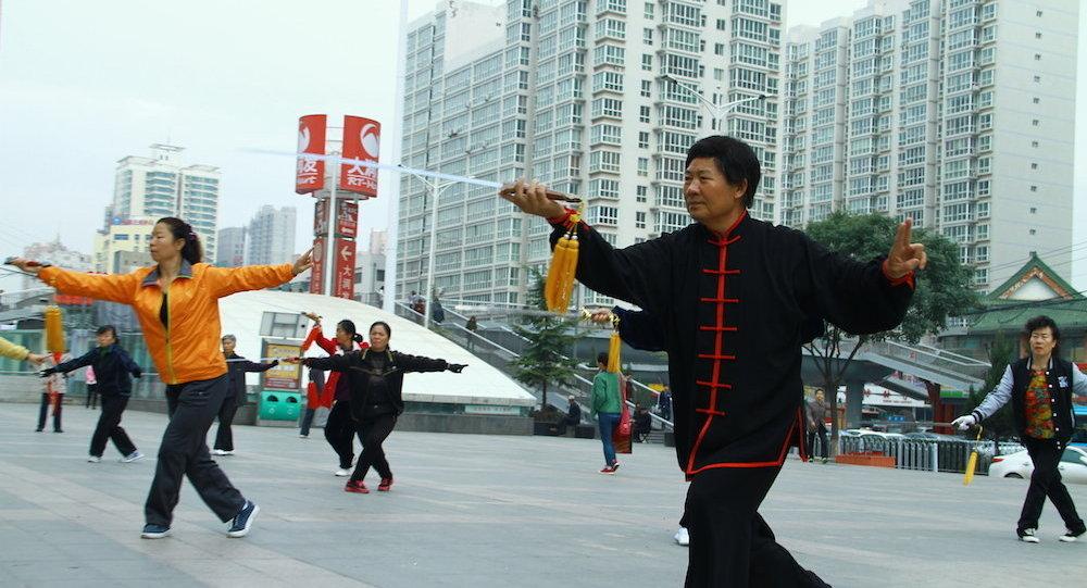 媒體:北京退休老人鍾愛的廣場舞或成非法活動