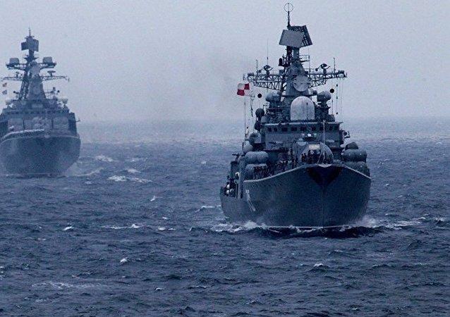 俄太平洋艦隊軍艦編隊遠航後返回符拉迪沃斯托克