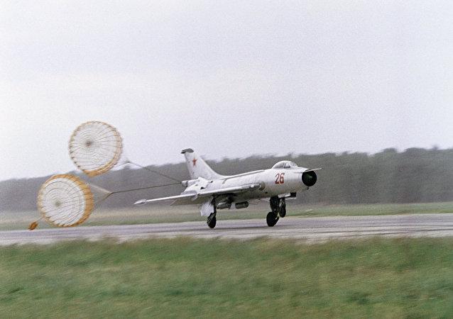 米格-21