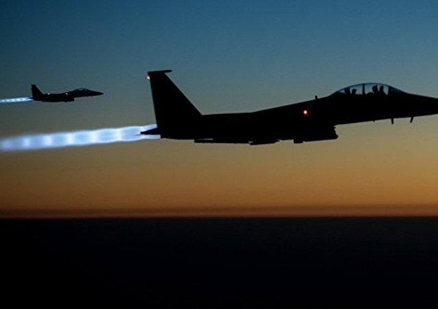 媒體:美聯軍空襲代爾祖爾省致8人喪生