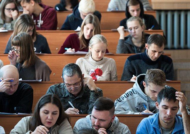 俄鄂木斯克大學將與中國開封大學開展學生互換