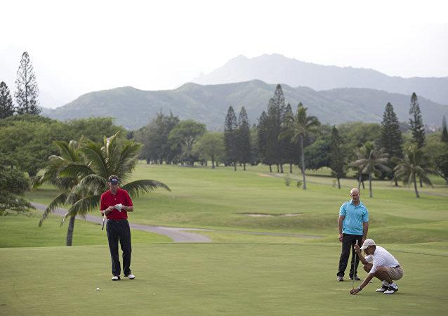 奧巴馬在夏威夷/右邊/