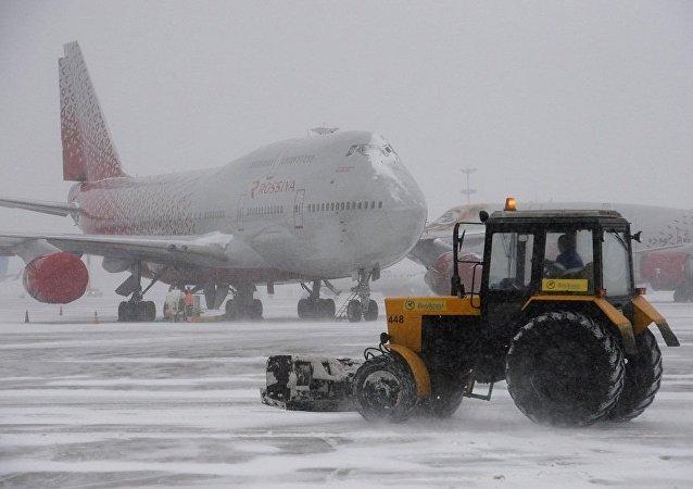 莫斯科各機場取消70多趟航班
