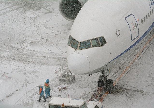 華媒:日本北海道大雪致約500人滯留