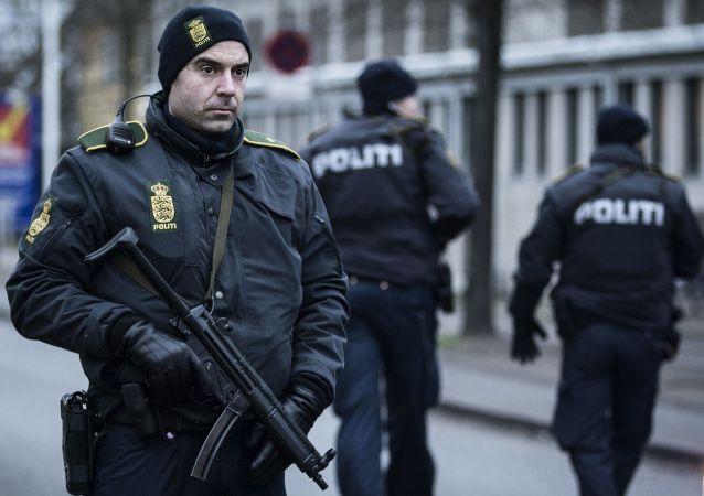 丹麥警方在反恐行動中拘留約20人