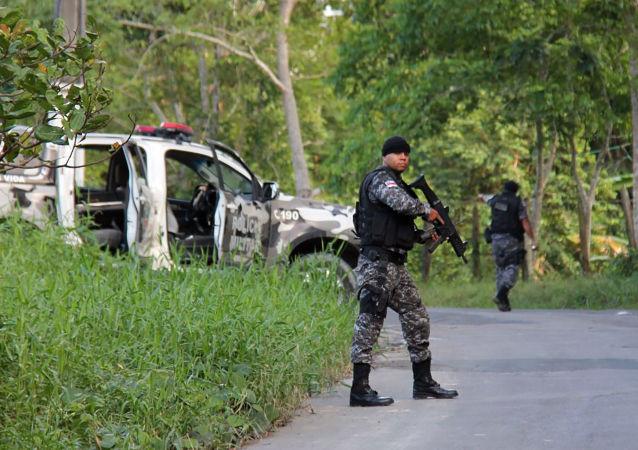 媒體:巴布亞新幾內亞警方在監獄暴亂中擊斃17名囚犯