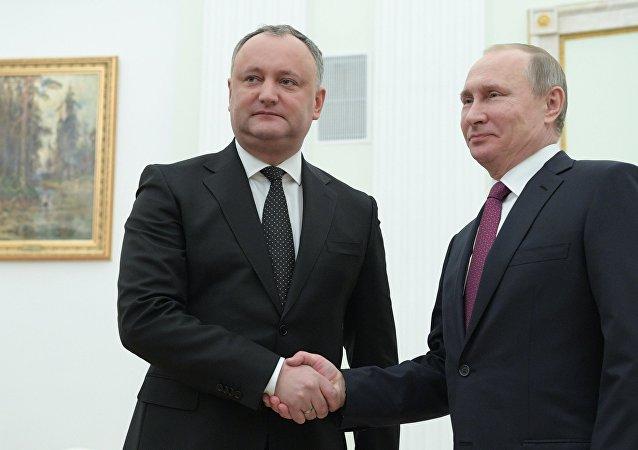 弗拉基米爾•普京與伊戈爾•多東