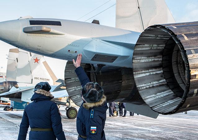 土耳其研究俄方供應俄戰機提議