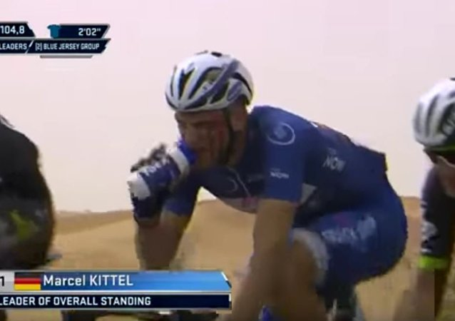 Marcel Kittel punched by Grivko Dubai Tour 2017
