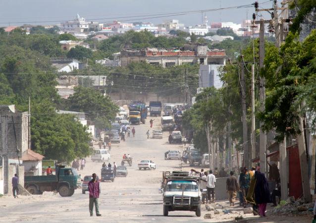 汽車炸彈在摩加迪沙機場旁爆炸,有人員傷亡