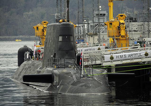 醉酒英國潛艇兵軍官試圖指揮卸載導彈