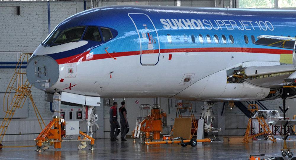 俄外經銀行行長:銀行看到向新市場出口蘇霍伊客機前景