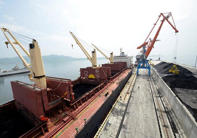 朝鮮通過俄羅斯港口向日本和韓國出口煤炭
