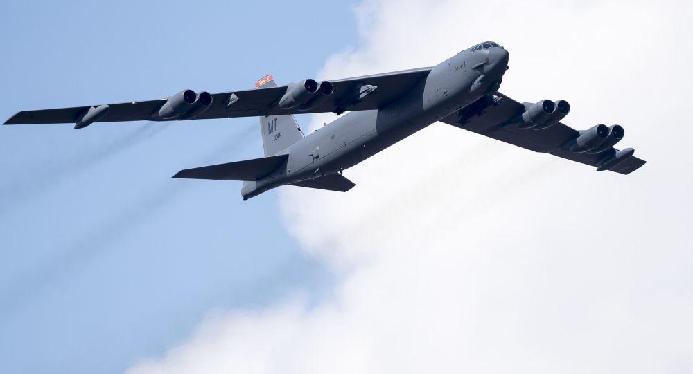 美軍B52轟炸機又來東海 在中國空識區邊緣飛行試探