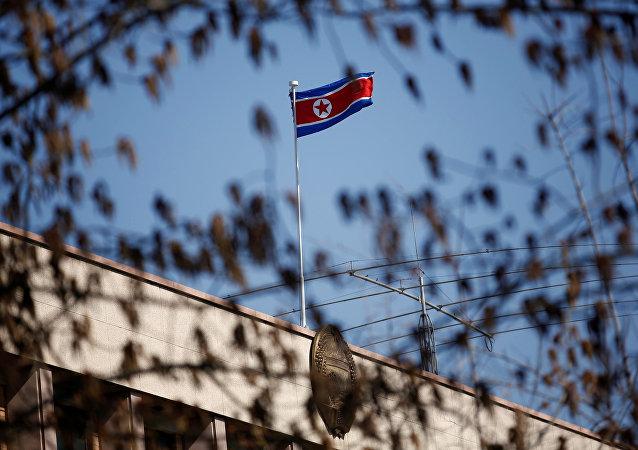 中國駐朝鮮大使館祭奠志願軍先烈