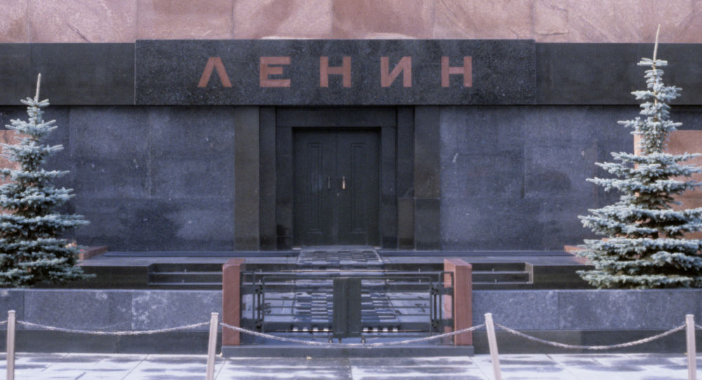 匆忙趕往列寧墓的醫護人員照片嗨翻網絡用戶